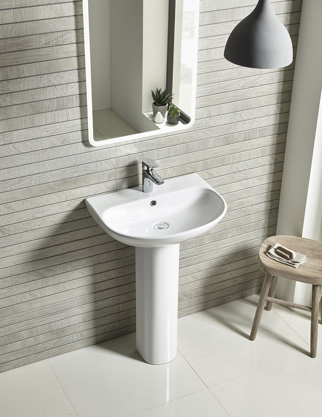 Tavistock Orbit sanitaryware with mirror lifestyle